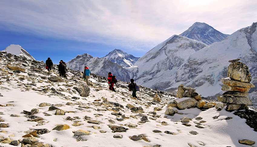trekking-trail-in-everest